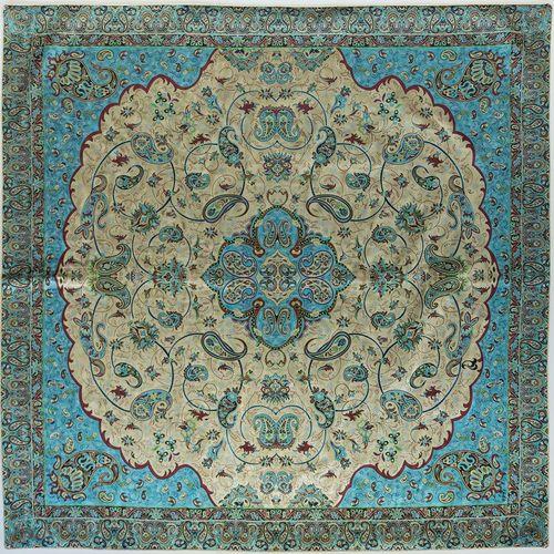 رومیزی ترمه ابریشم عدل طرح شاه صنم سایز 1 متر مربع