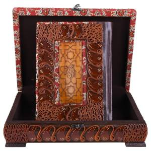جعبه و قرآن نفیس  پایاچرم طرح لبه طلایی مدل 00-06 سایز بزرگ