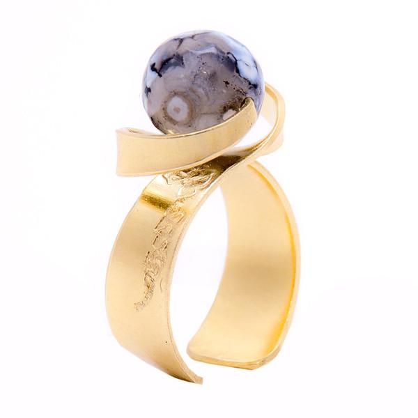 انگشتر باربد طرح ساده مدل سنگ ماه تولد عقیق لکه برفی