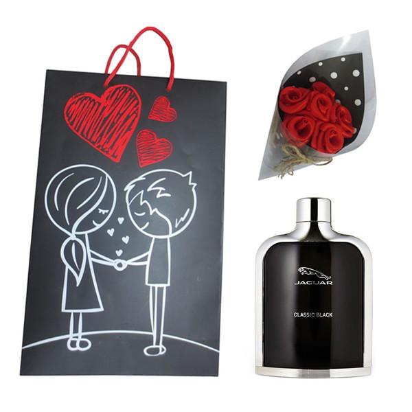ست هدیه ادو تویلت مردانه جگوار مدل Classic Black حجم 100 میلی لیتر به همراه دسته گل مصنوعی F1  و کیف هدیهB1