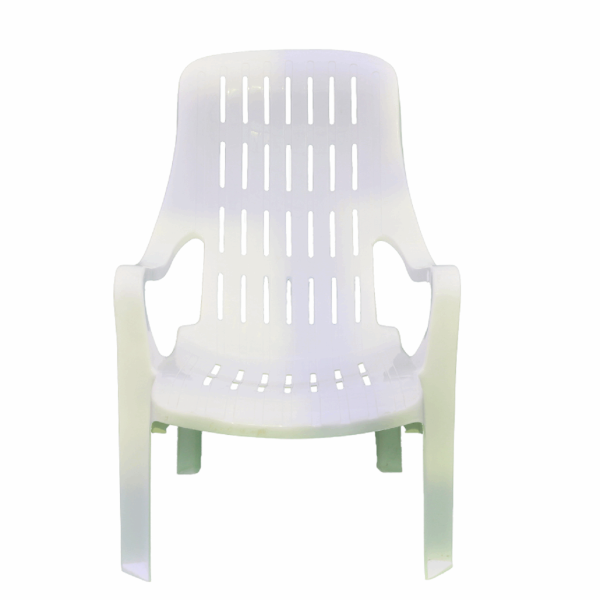 صندلی راحتی و لب استخری و باغی صبا کد 143