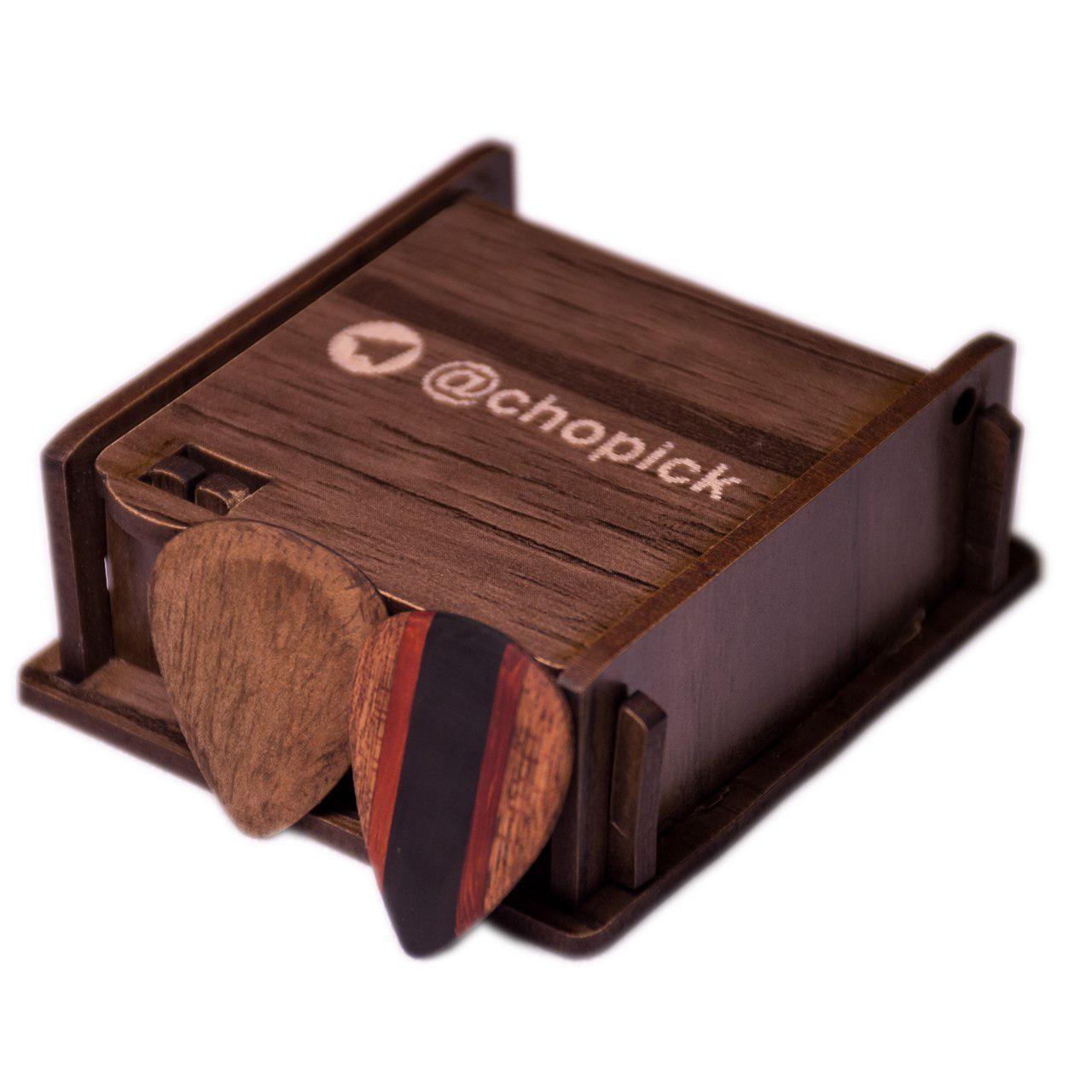 پیک چوبی گیتار چوپیک مدل گردو و چوب سیاه پادوک ماهوگانی ترکیبی بسته 2 عددی
