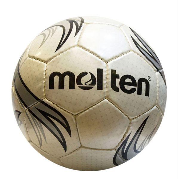 توپ فوتبال مولتن مدل 66