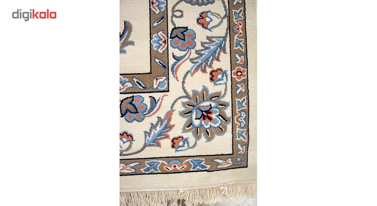 فرش ماشینی ساوین کد 2107 زمینه کرم حاشیه کرم شتری