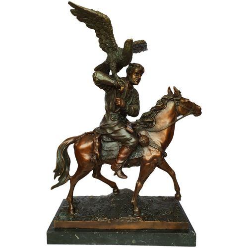 مجسمه لاکچری اچ کی طرح شکارچی اسب سوار کد EP-036