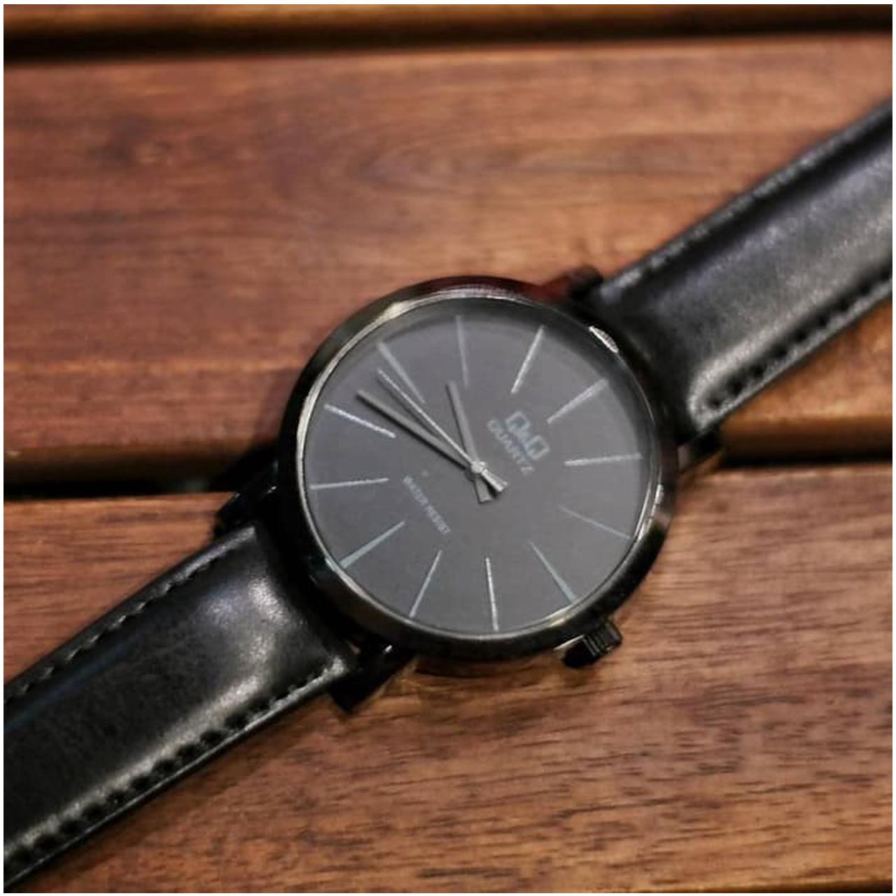 ساعت مچی عقربهای مردانه کیو اند کیو مدل Q892J532Y