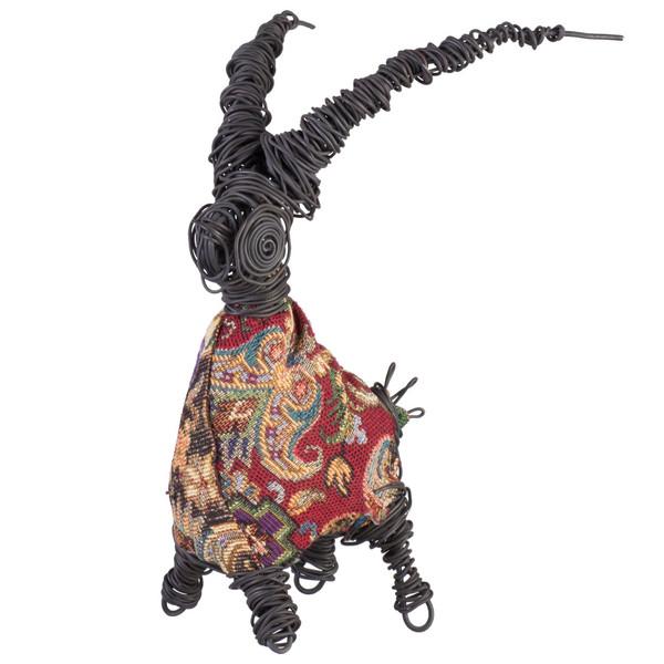 مجسمه جاوید مدل بز لباس دار 2