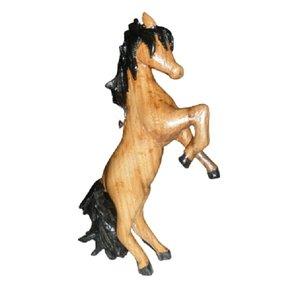 مجسمه مدل اسب