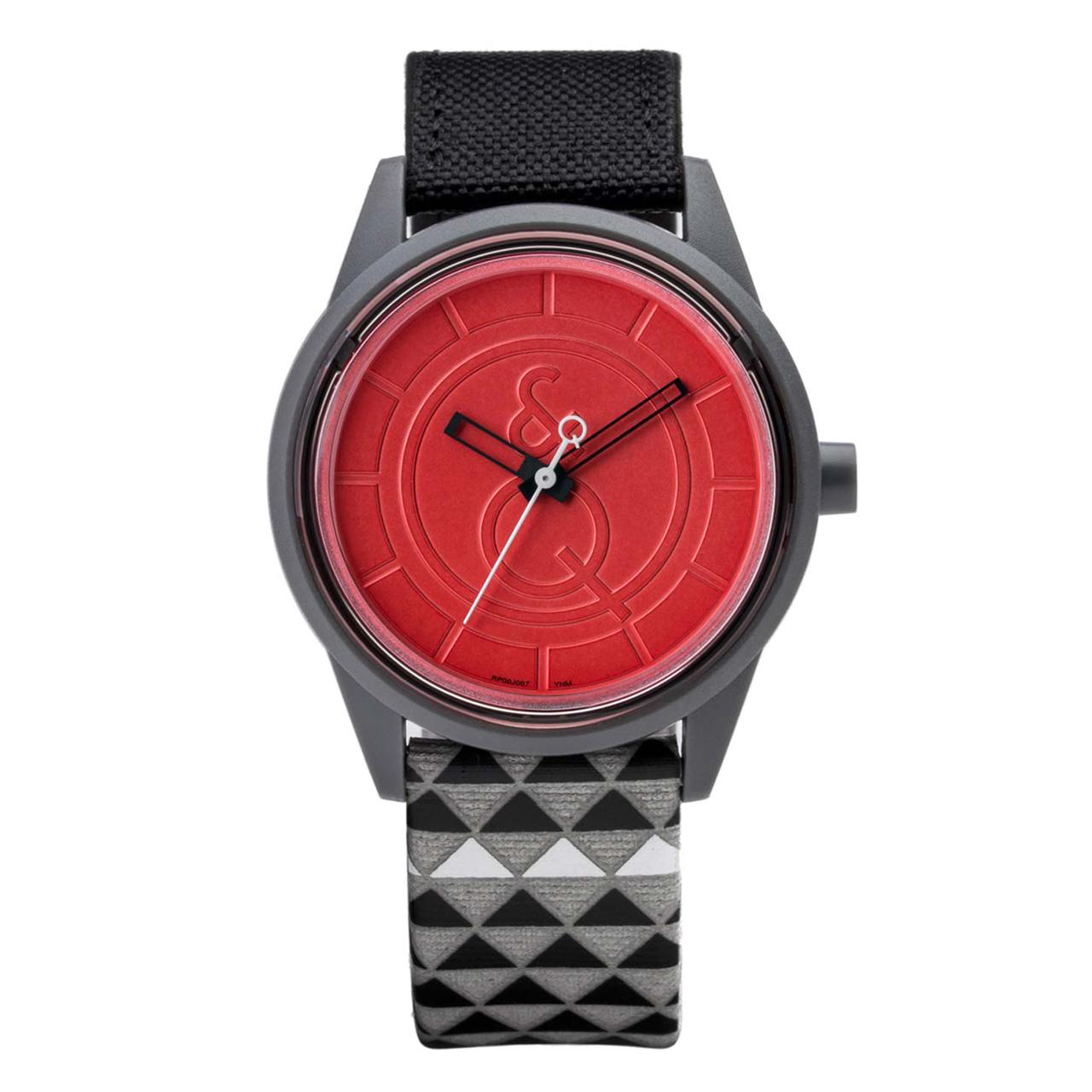 ساعت مچی عقربهای سولار کیو اند کیو مدل rp00j014y به همراه دستمال مخصوص برند کلین واچ
