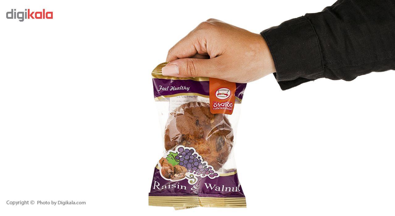 کیک گردوئی و کشمشی نان آوران مقدار 75 گرم main 1 5