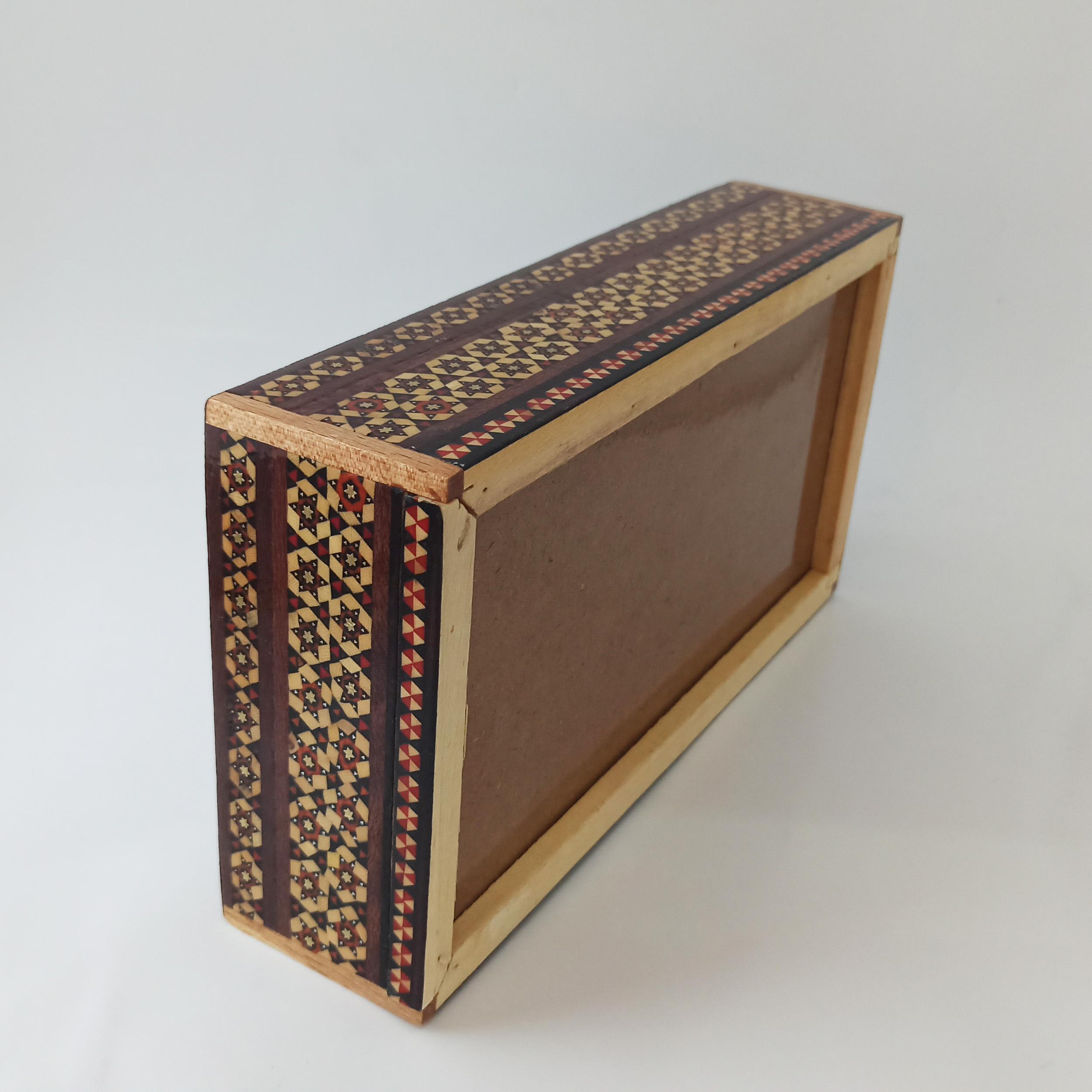 خرید                      جعبه دستمال کاغذی خاتم کاری طرح گل و مرغ مدل گلسار کد G-1144