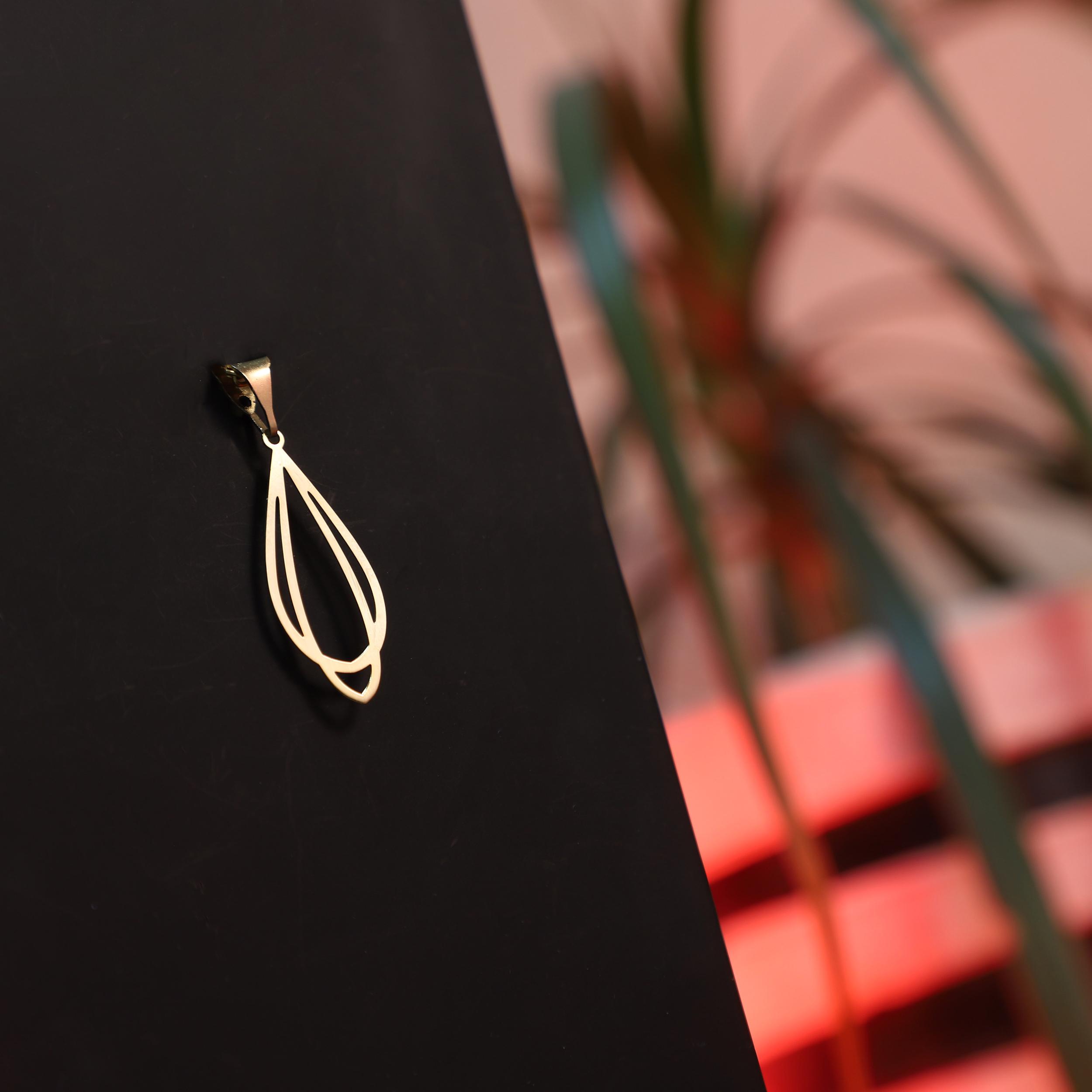 آویز گردنبند طلا 18 عیار زنانه آمانژ کد D10016