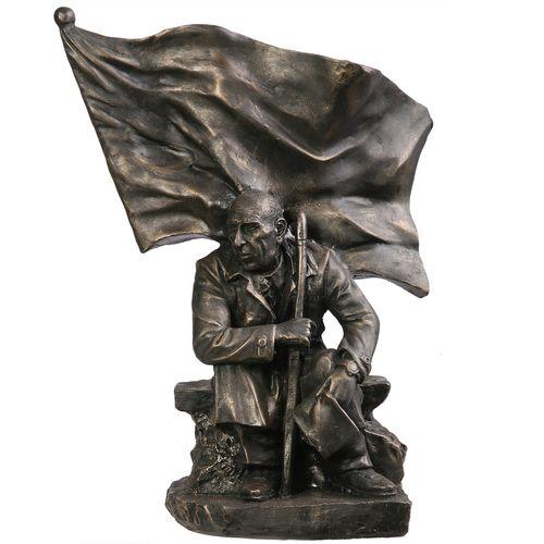 مجسمه تندیس و پیکره شهریار مدل تندیس دکتر مصدق کد M500