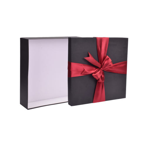جعبه کادو طرح پاپیون کد 642 ابعاد 30x30 سانتی متر