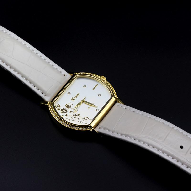 ساعت مچی عقربه ای زنانه دریم مدل فلاور