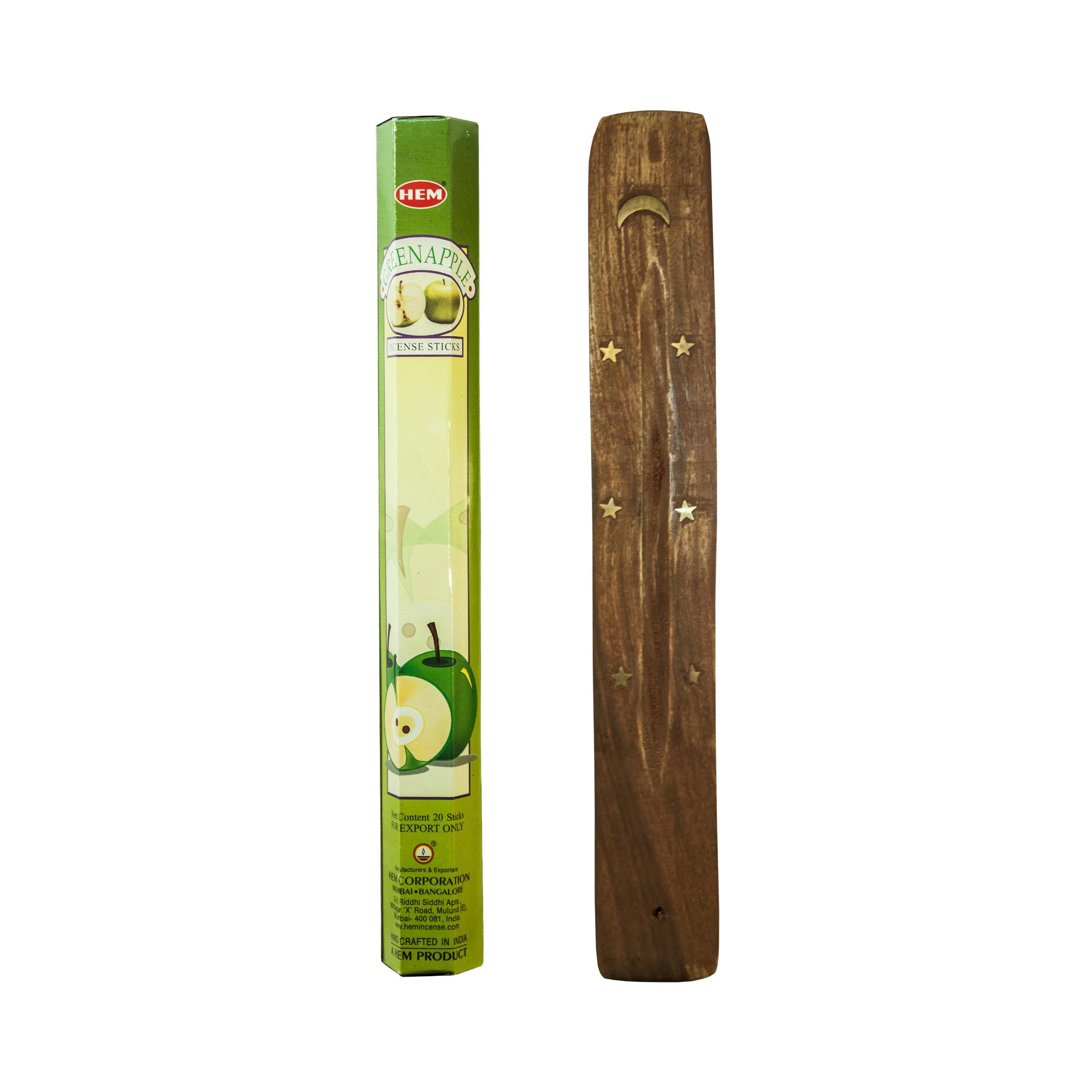 عود خوشبو کننده Green Apple بسته 20 عددی به همراه جاعودی و شمع