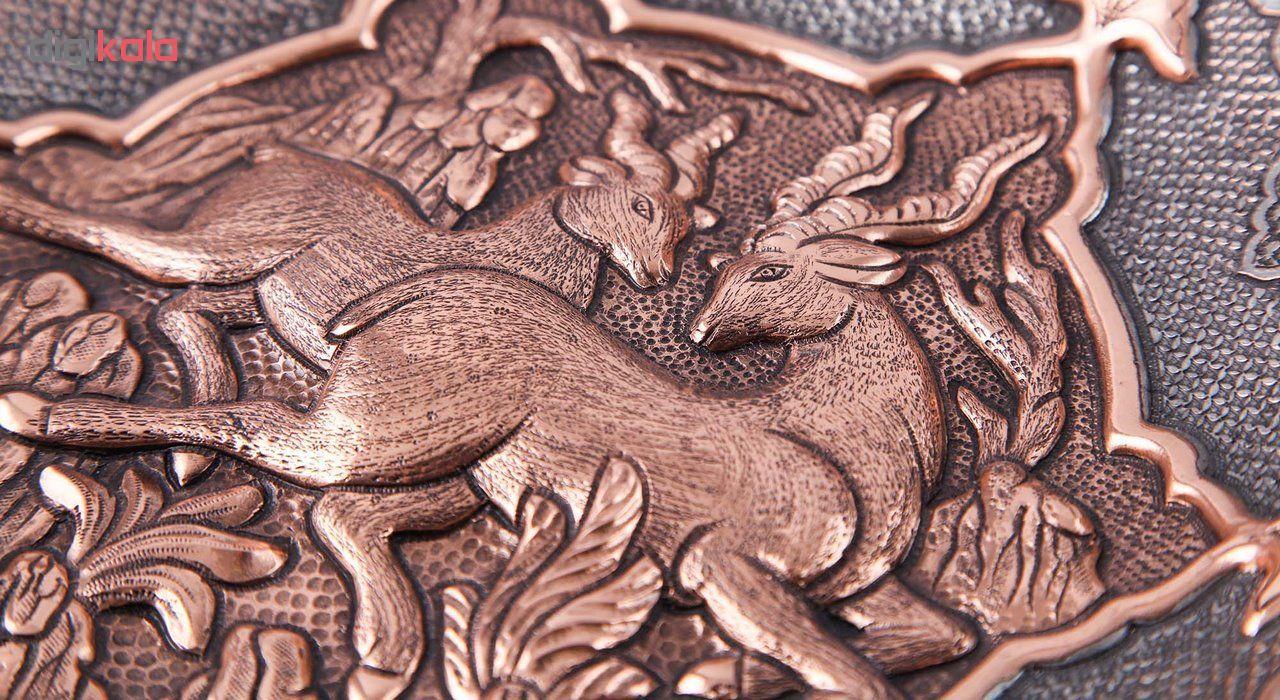 بشقاب دیوارکوب قلمزنی قهرمانی طرح دو آهو کد 165022