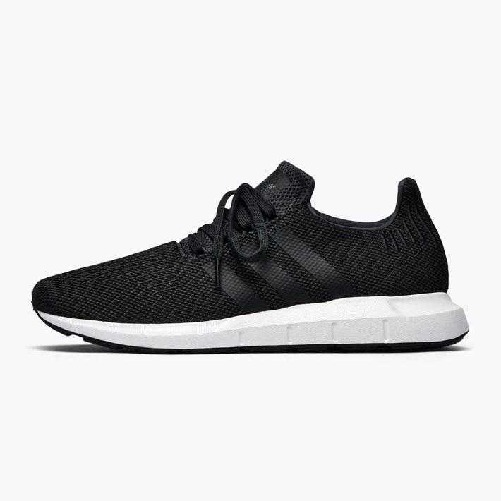 قیمت کفش راحتی مردانه آدیداس مدل swift run کد CQ2114