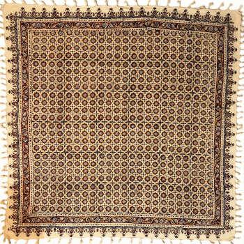 رومیزی قلمکار ممتاز اصفهان اثر عطريان طرح گره چینی مدل G130سایز 120*120