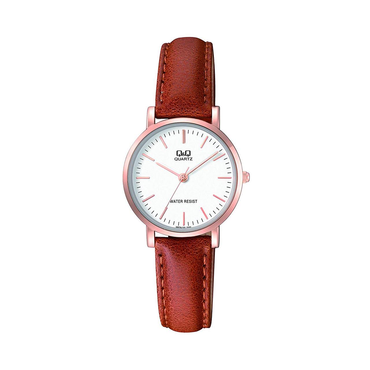 ساعت مچی عقربه ای زنانه کیو اند کیو مدلQ979J101Y به همراه دستمال مخصوص برند کلین واچ