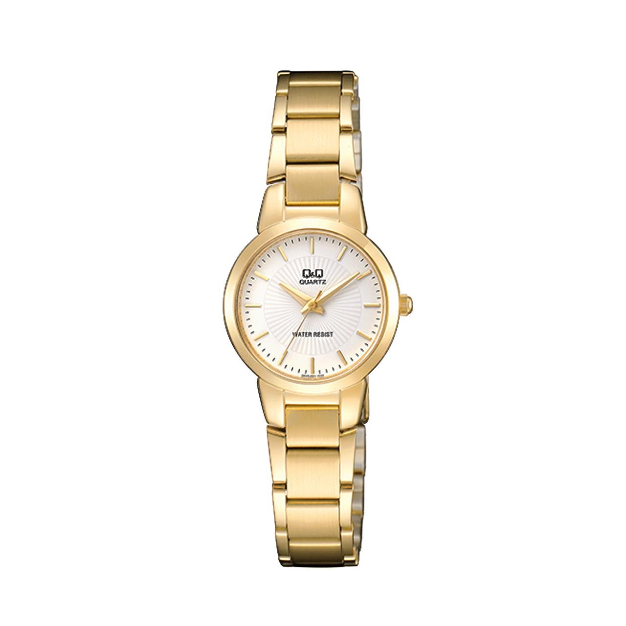 ساعت مچی عقربه ای زنانه کیو اند کیو مدلQA43J001Y به همراه دستمال مخصوص برند کلین واچ