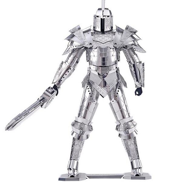 پازل فلزی سه بعدی - مدل شوالیه BMK بهمراه انبردست مخصوص