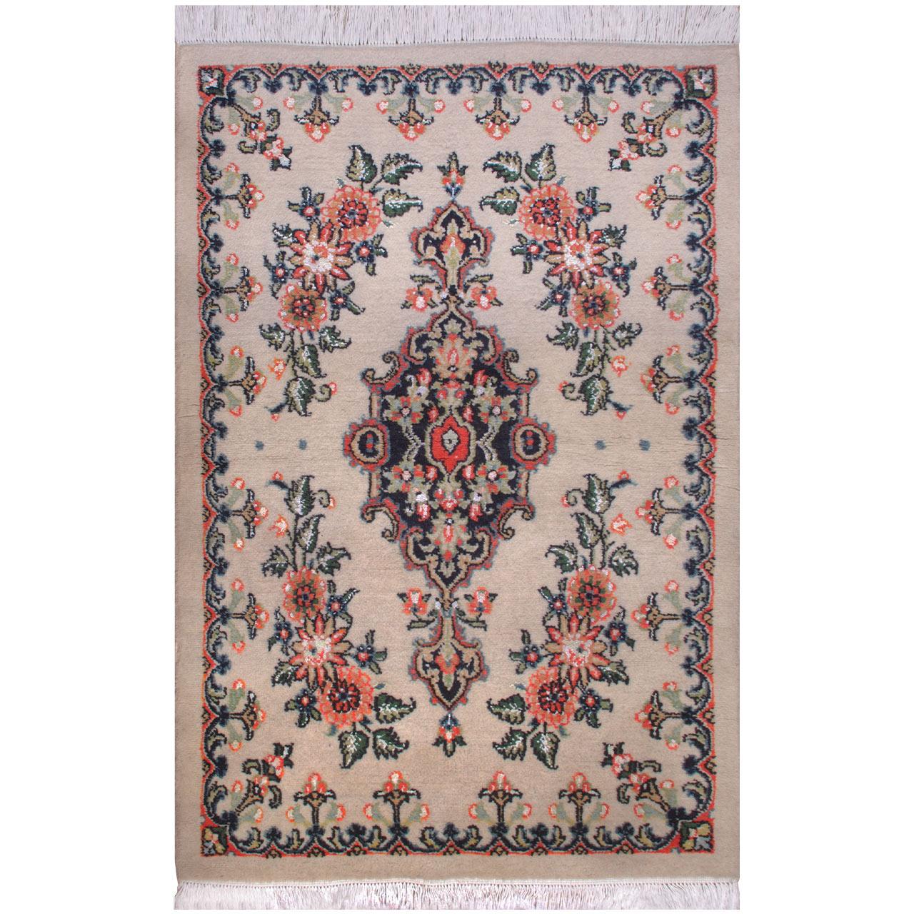 فرش دستبافت یک و نیم متری فرش هریس کد 101622