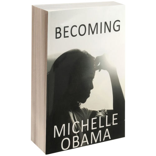 کتاب BECOMING MICHELLE OBAMA اثر میشل اوباما
