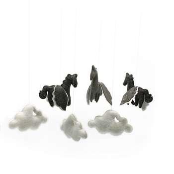 آویز اتاق کودک طرح ابر و اسب بالدار کد 6 |