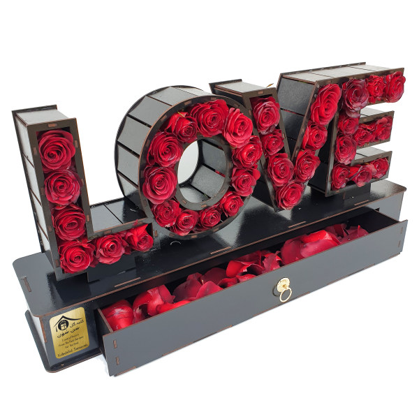جعبه گل رز کلبه گل سن سون طرح LOVE مدل BX-22077