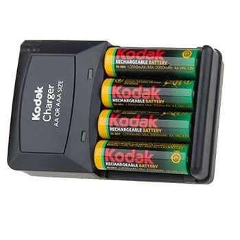 شارژر باتری کداک مدل K620E-C همراه با 4 عدد باتری قابل شارژ