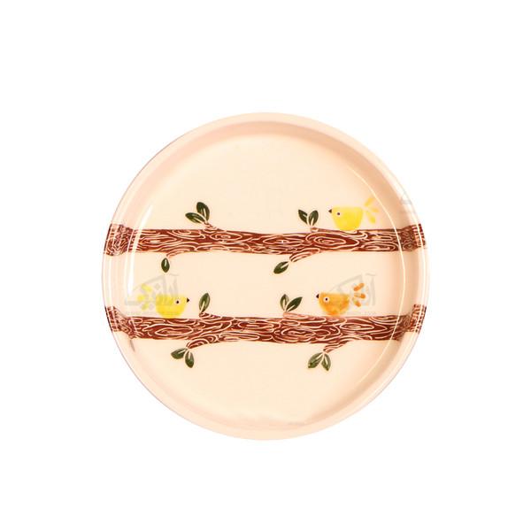 بشقاب سفالی آرانیک نقاشی زیر لعابی رنگ سفید طرح نغمه بهاری مدل 1000200020
