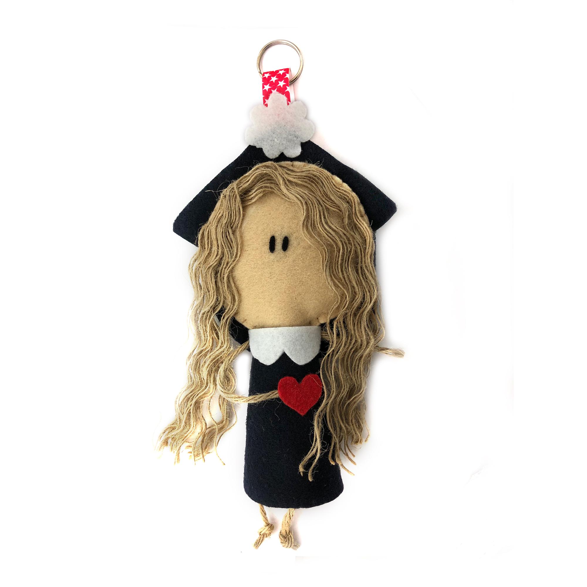 آویز عروسکی طرح دختر عاشق
