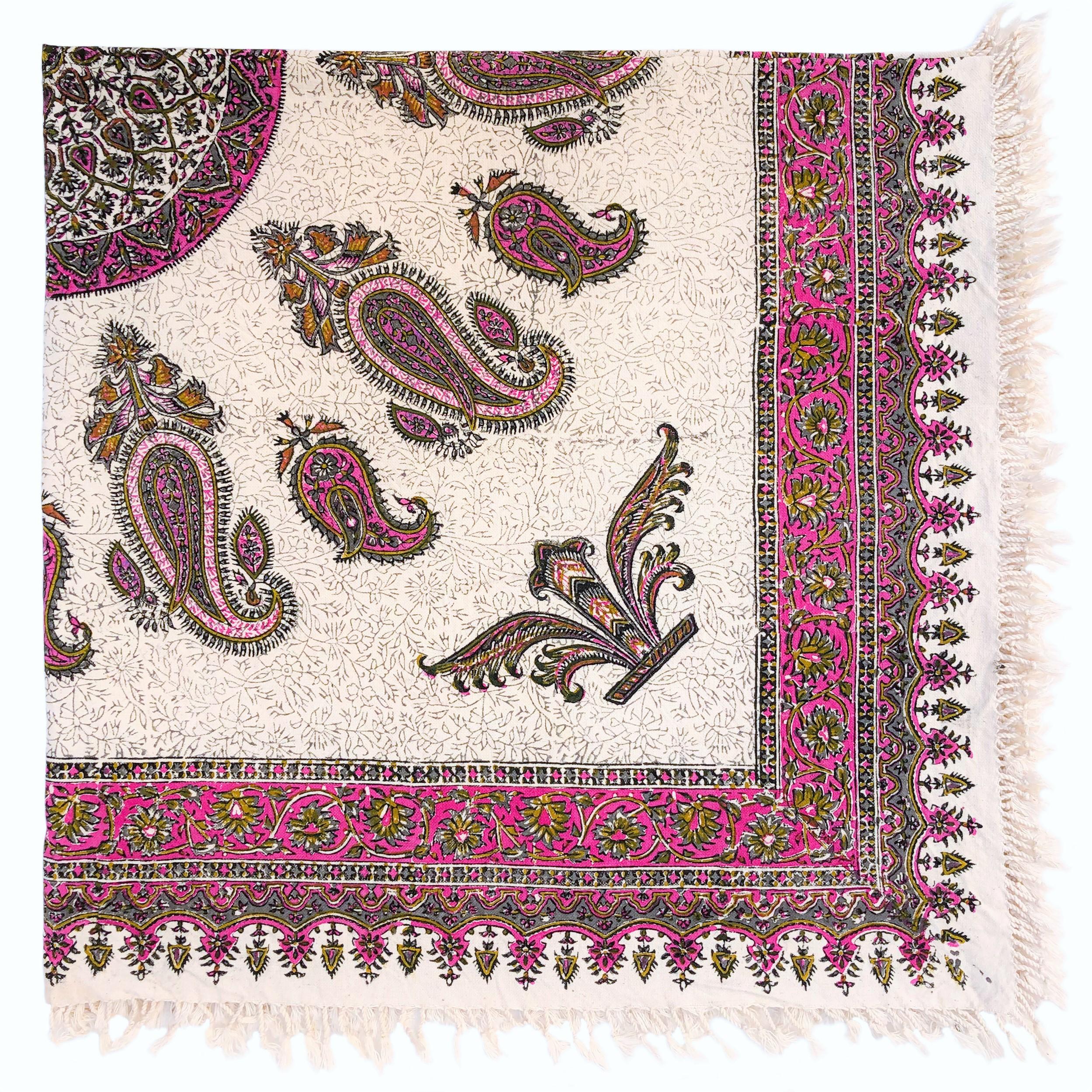 رومیزی قلمكار ممتاز اصفهان اثر عطريان طرح ترنج مدلG54سايز 120*120 سانتيمتر