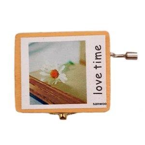 جعبه موزیکال مدل Love Time طرح گل کد 80