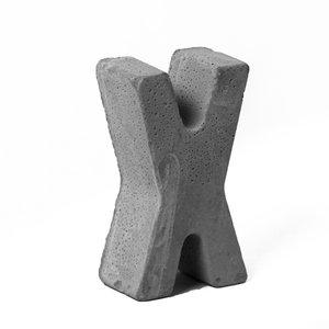 مجسمه بتنی طرح حروف مدل letter X