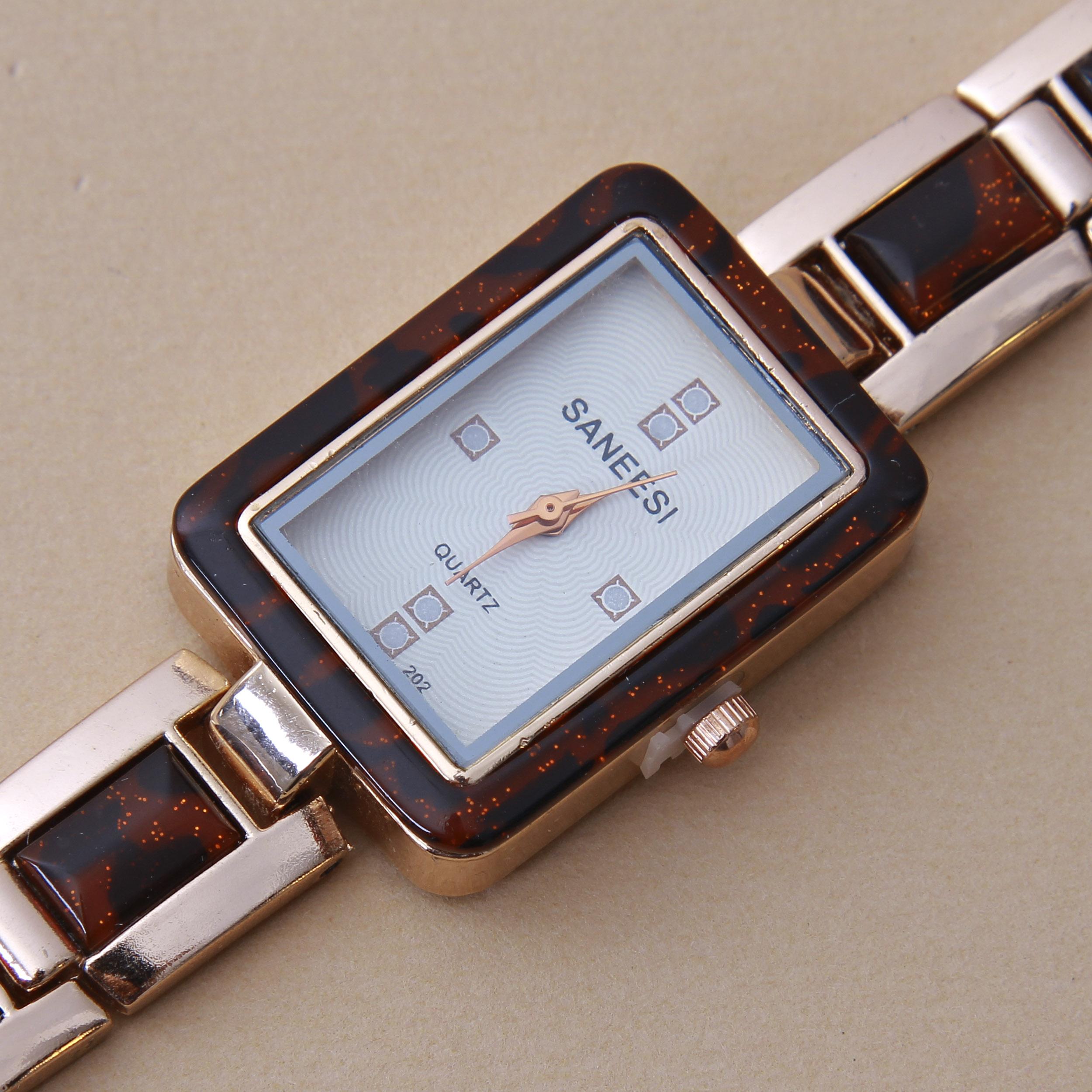 خرید و قیمت                       ساعت مچی  زنانه کد WHW-242