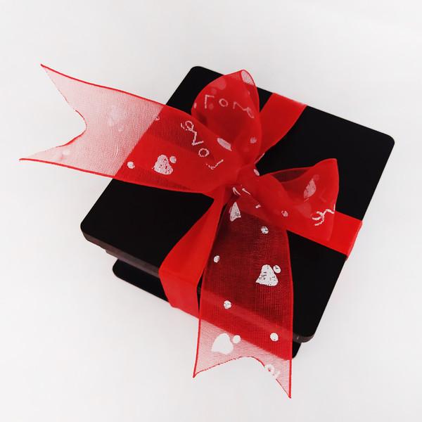 جعبه گل مصنوعی مدل عشق