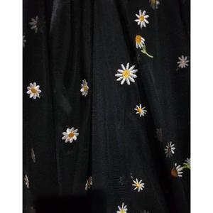 پارچه لباس طرح بابونهکد 2