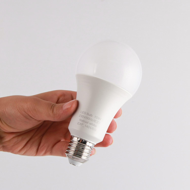 لامپ ال ای دی 15 وات تی .بی مدل A60 پایه E27 بسته 4 عددی