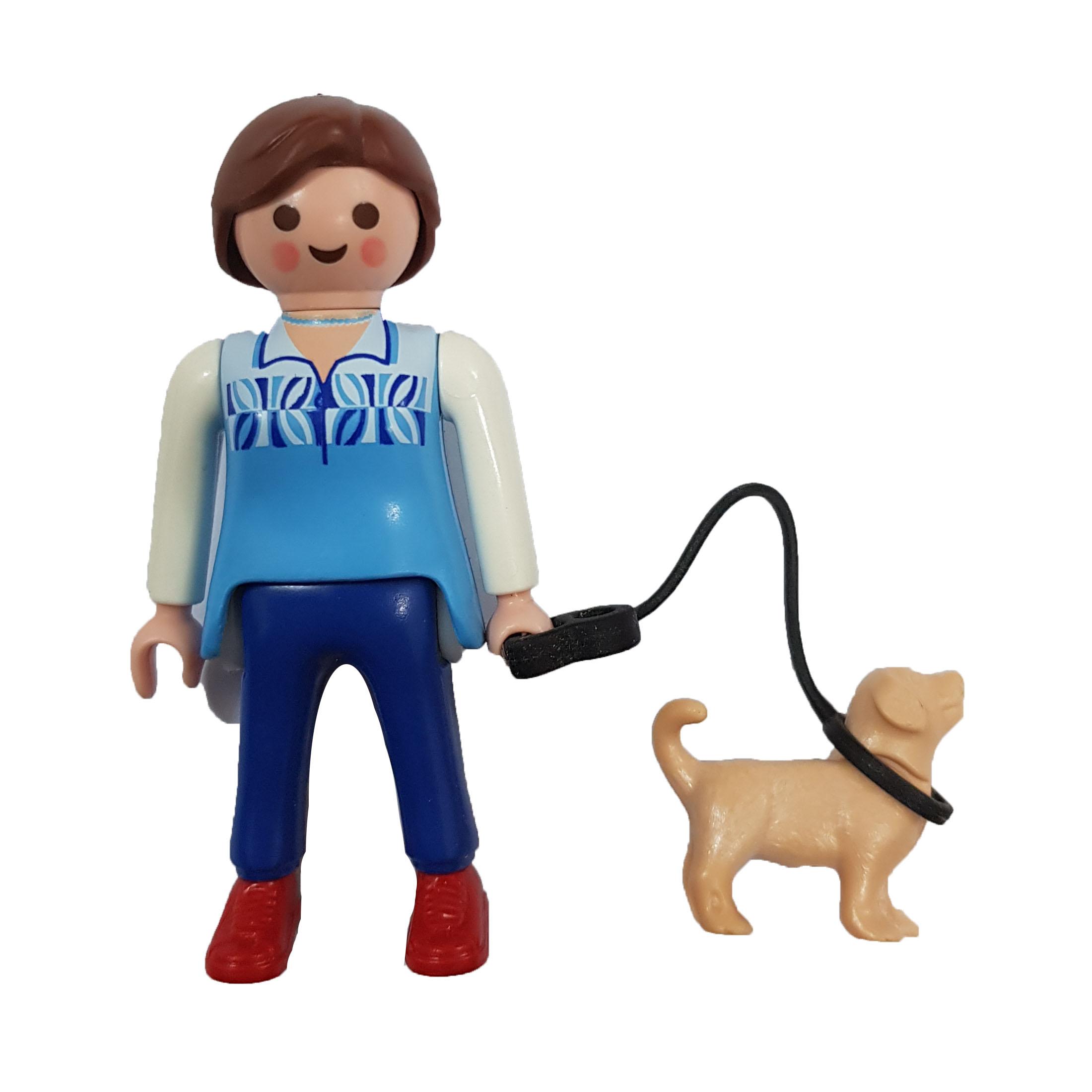 فیگور پلی موبیل طرح دختر سگ دار