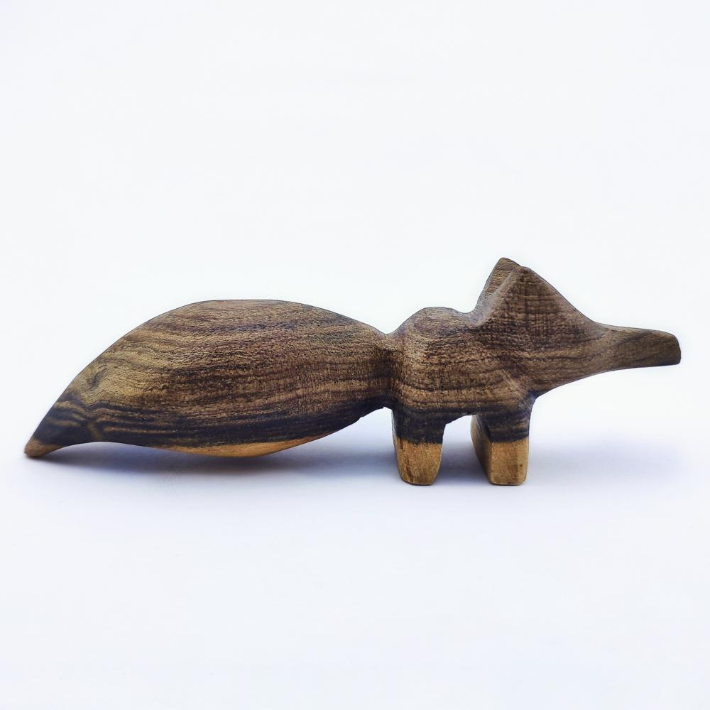 خرید                      مجسمه چوبی مدل روباه کد ۰۰۲
