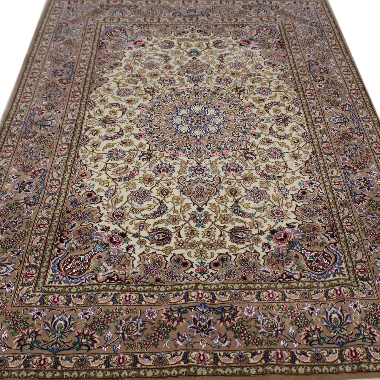 خرید                     فرش دستبافت سه و نیم متری مدل اصفهان  کد 109