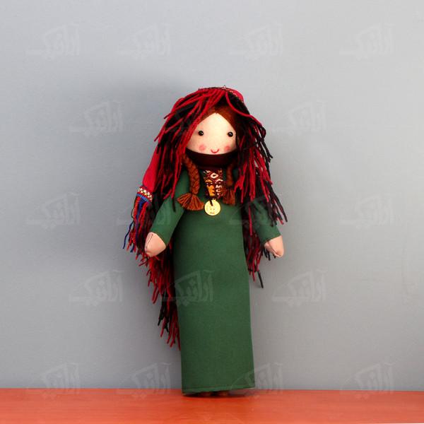 عروسک پارچه ای دست دوز  رنگ سبز طرح بی بی نار مدل 1606800001