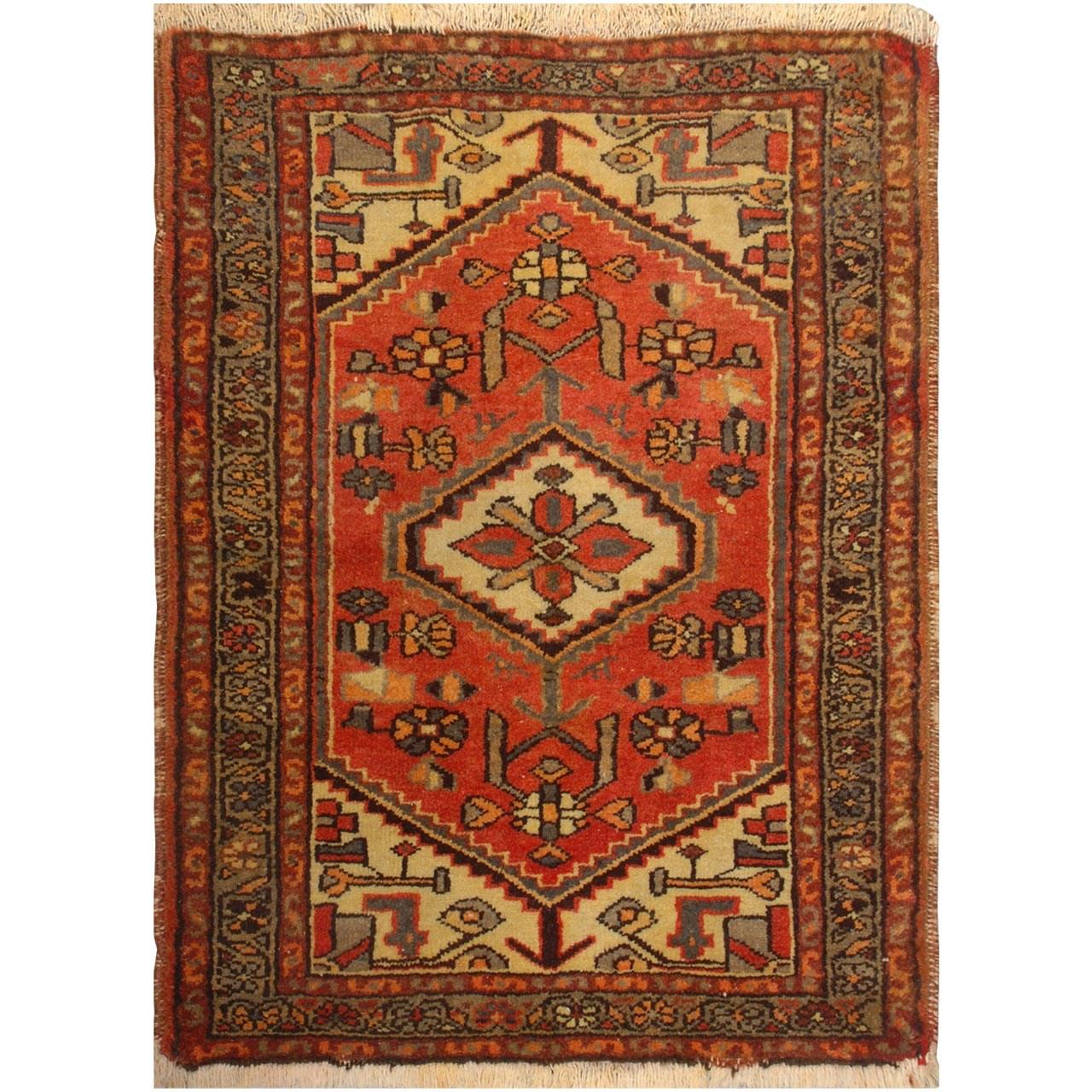 پادری دستبافت قدیمی نیم متری فرش هریس کد 100478