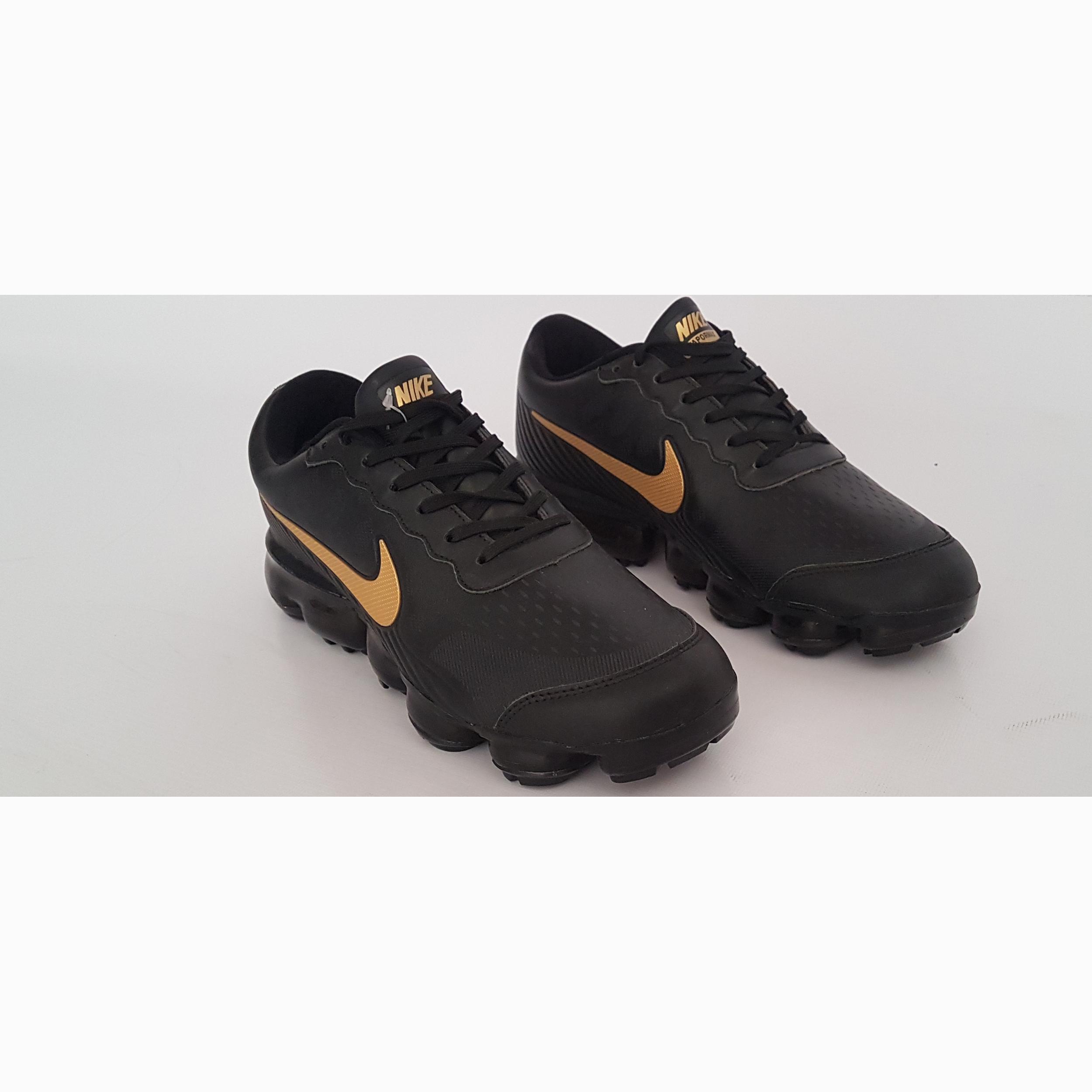خرید                      کفش پیاده روی نایکی مدل vapor max