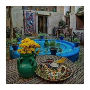 کاشی کارنیلا طرح حیاط ایرانی و گلدان سفالی کد wk4763