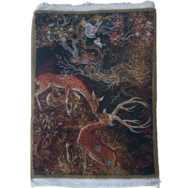 فرش دستبافت دیوارکوب مدل gazelles