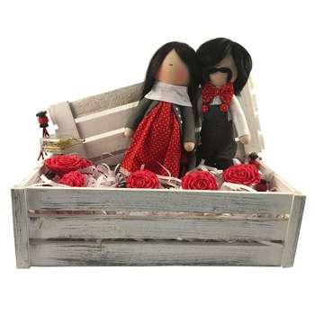عروسک کادوتل مدل دختر و پسر به همراه جعبه چوبی ارتفاع 35 سانتیمتر