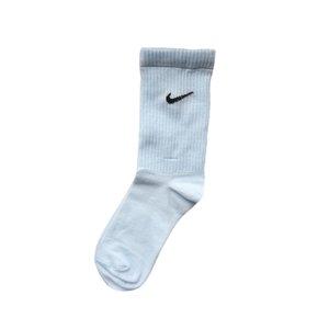 جوراب ورزشی زنانه آوین مدل۰۰۴